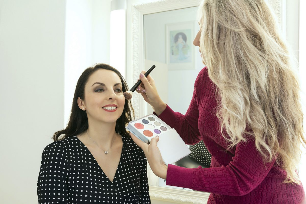 Make-up application display